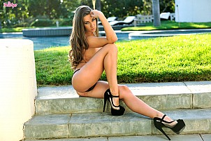 Cassidy Klein gallery image 7 of 16