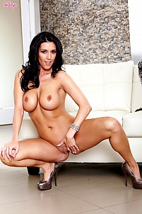 Dylan Ryder gallery image 12 of 16