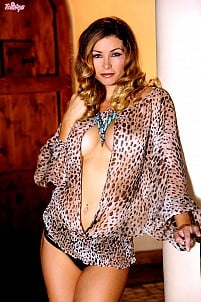 Heather Vandeven gallery image 1 of 16