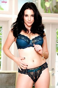 Jelena Jensen - She's Gonna Make You Happy
