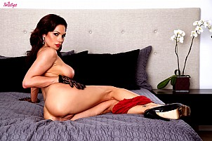 Kirsten Price gallery image 15 of 16