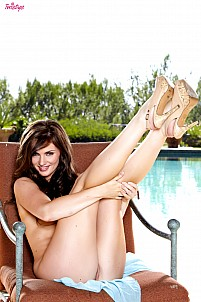 Lily Carter gallery image 11 of 16