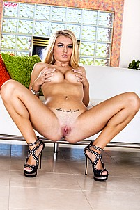 Natalia Starr gallery image 11 of 16