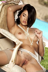 Shyla Jennings gallery image 11 of 16