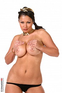 Aria Giovanni gallery image 8 of 16