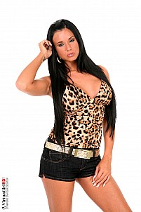 VirtuaGirl - Ashley Bulgari / Jungle Pub