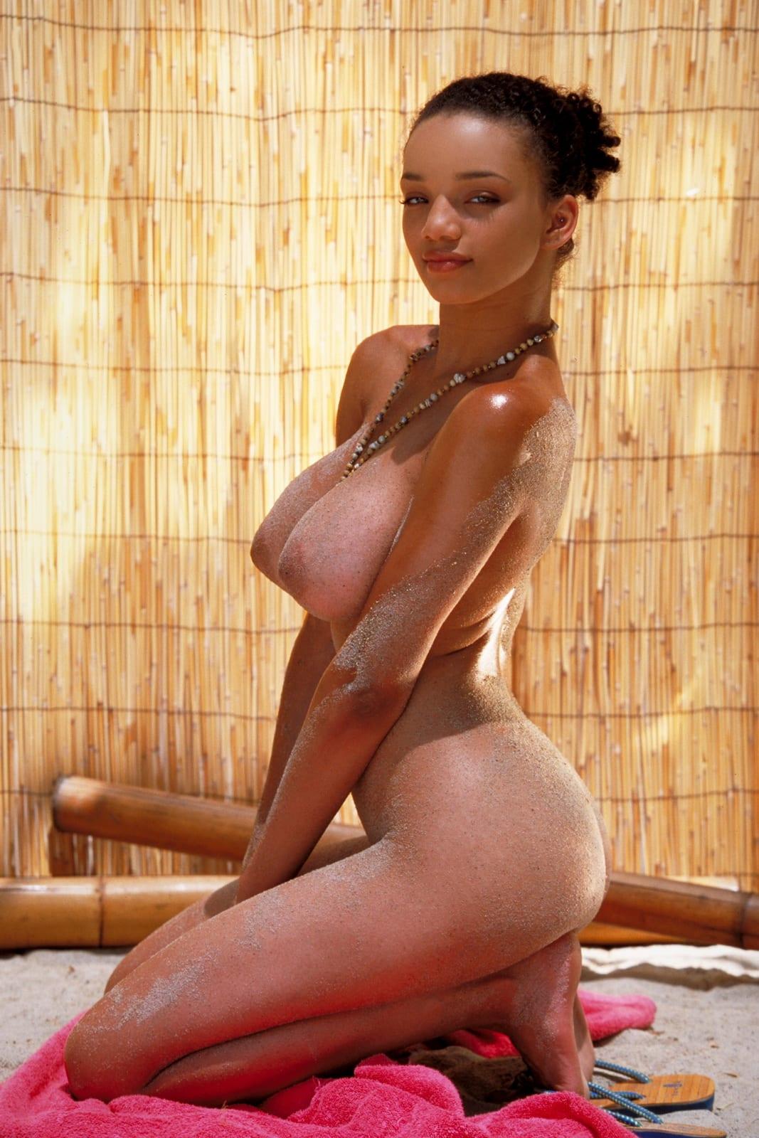 Lashay naked gia