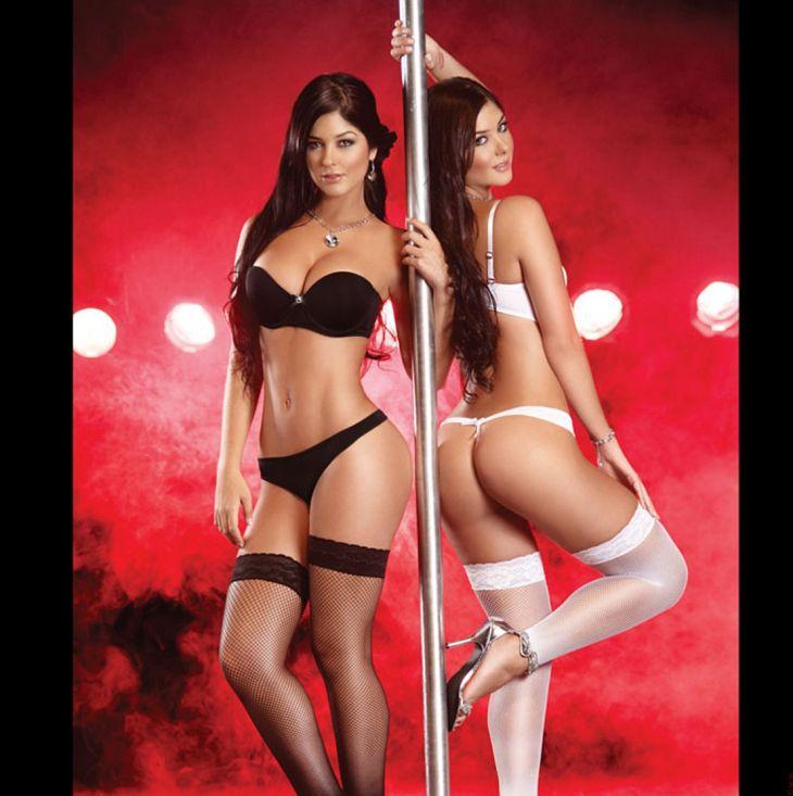 Фото голые девушки близняшки