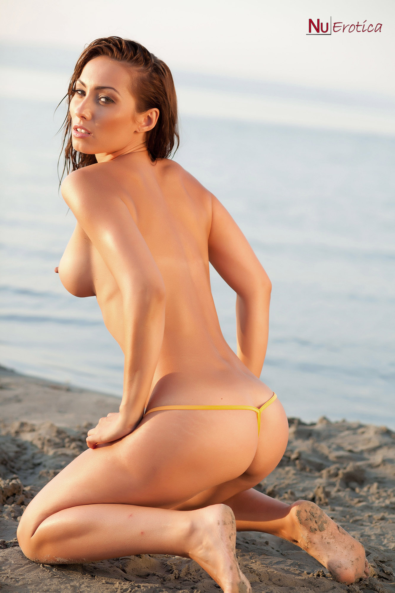 sexy naked beach models