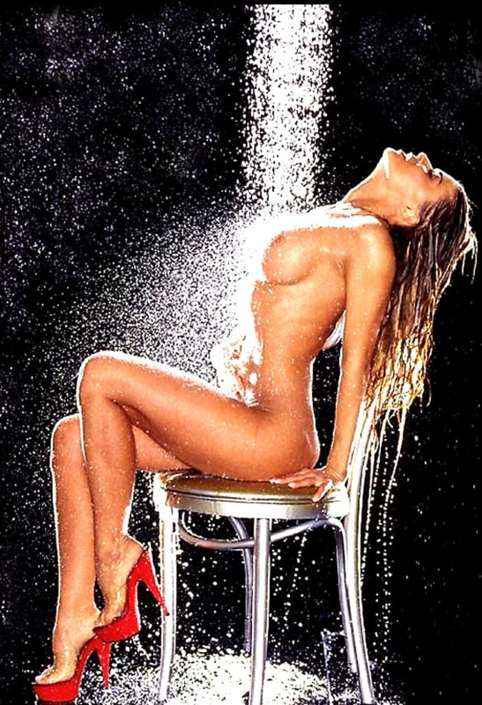 carmen-electra-naked-spread-penelope-tyler-gives-an-amazing-handjob-picture