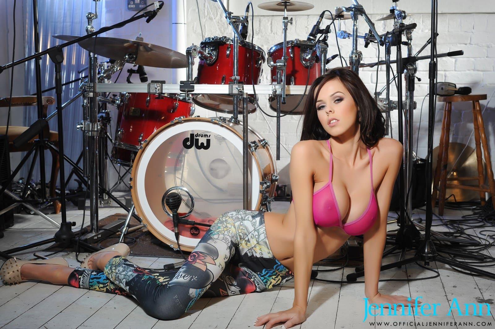 hot girls nude on drum set