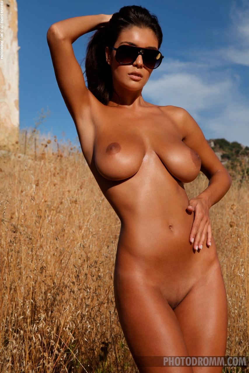 Striptease Nackt