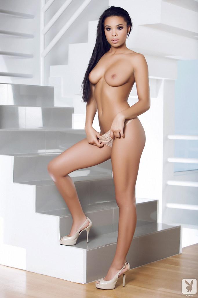γυμνό Ebony γκαλερί