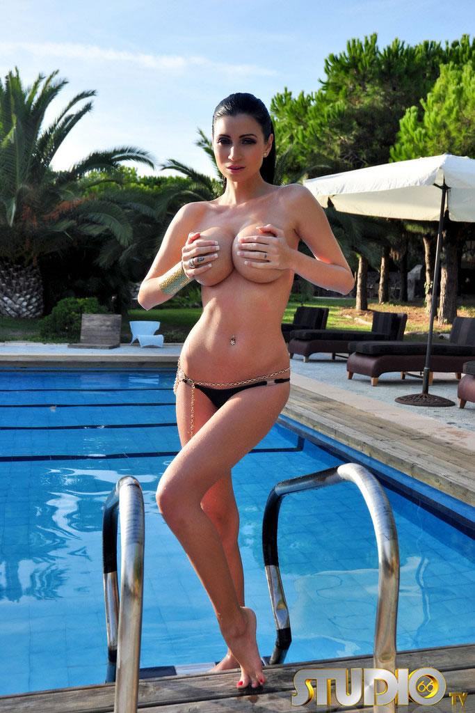 Lilly Roma  - Busty Lilly babepedia @Lilly_Roma