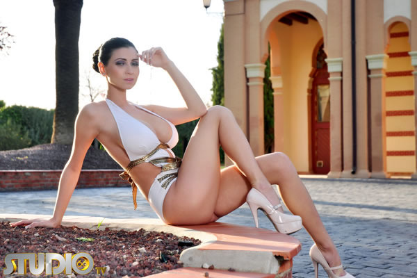 Lilly Roma  - Lilly, super babepedia @Lilly_Roma