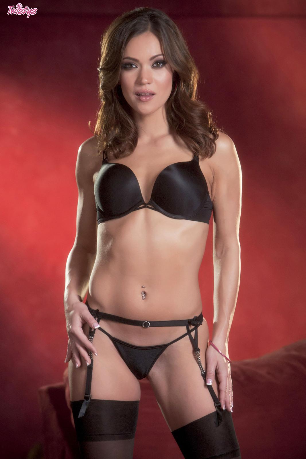 Alyssa Reece Nude Pics alyssa reece - free pics, videos & biography