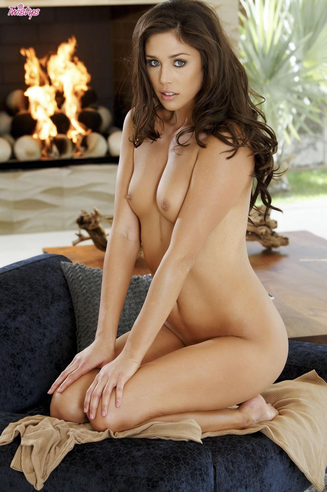 anna burns hooters nude