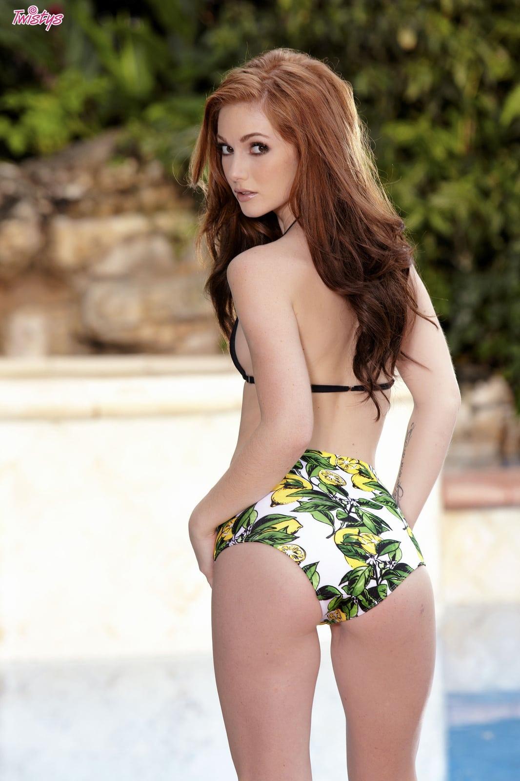 Amber takes her bikini off for you 9