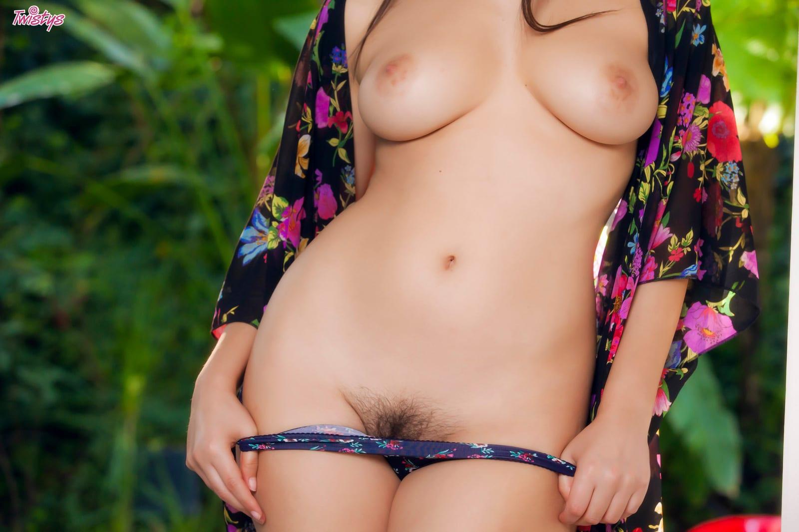Valentina Nappi  - Valentina Na babepedia @Valentina_Nappi