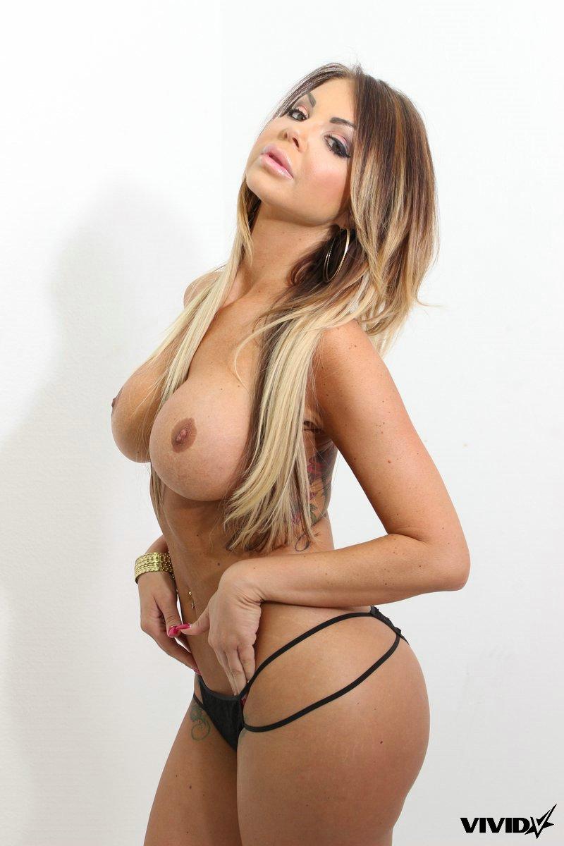 Nikki nine