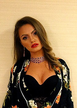 Alexandra Stan image 1 of 2
