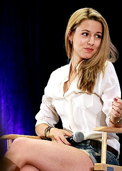 Alona Tal image 1 of 1