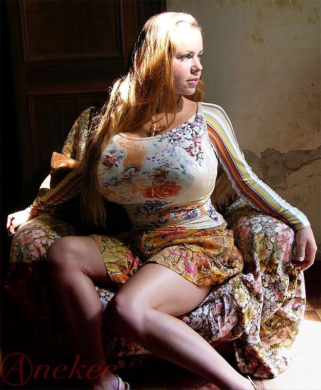 anekee-van-der-velden-video-boobs-older-woman-with-young-girls-porn