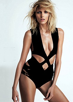 Anja Rubik image 1 of 2