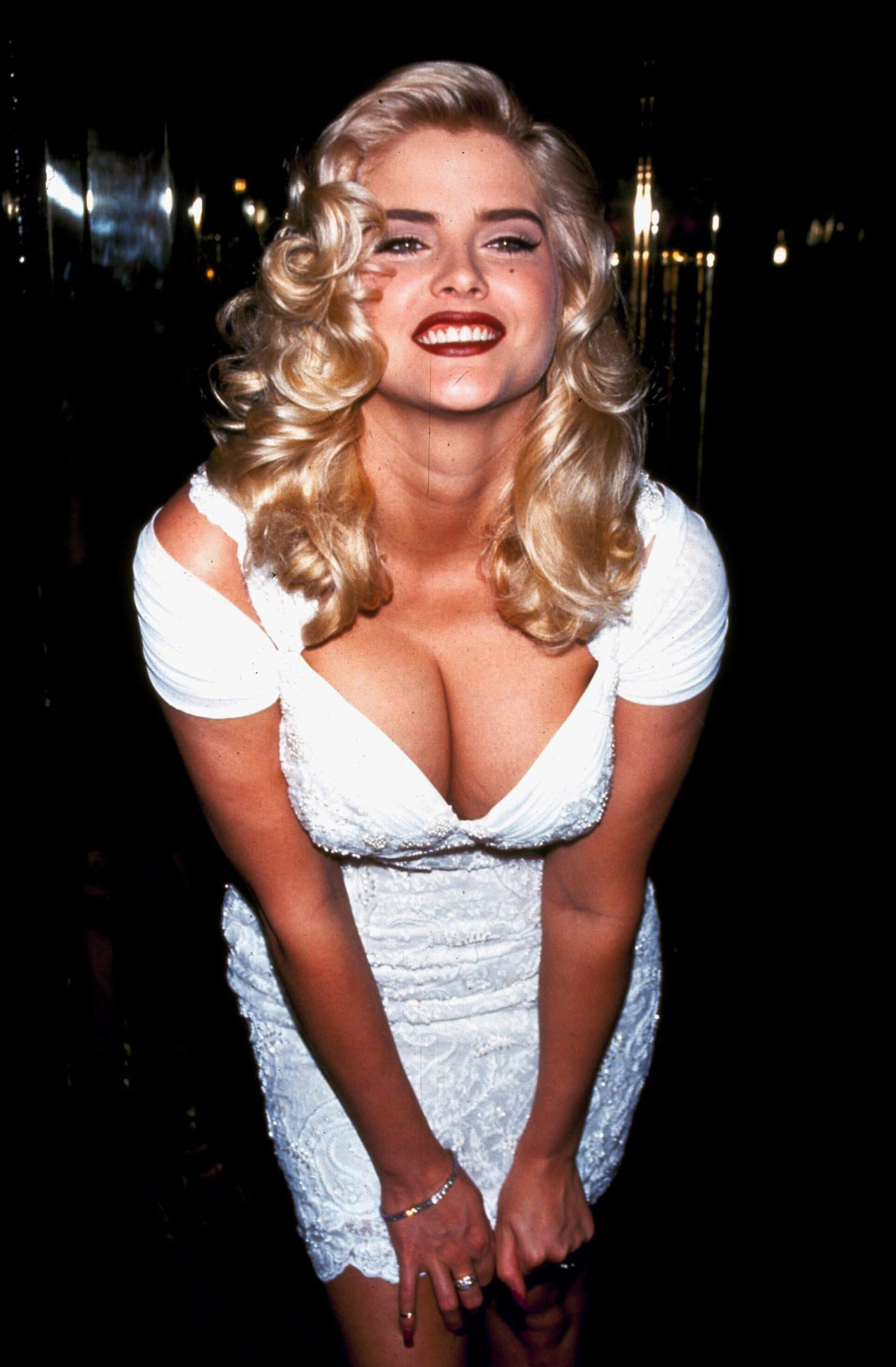 Anna nicole smith boob shot