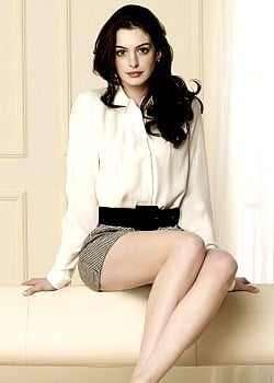 Anne Hathaway image 1 of 4