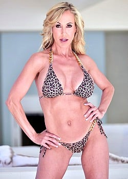 Brandi Love image 1 of 3