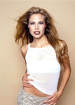 Brooke Burns image 1 of 1