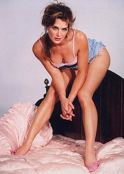 Brooke Shields image 1 of 1