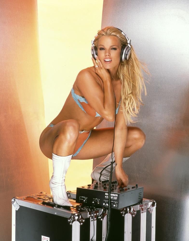 Самый сексуальный DJ в мире Colleen Shannon (24 фото) .