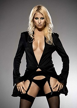Denise Van Outen image 1 of 1
