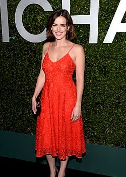 Elizabeth Henstridge image 1 of 1