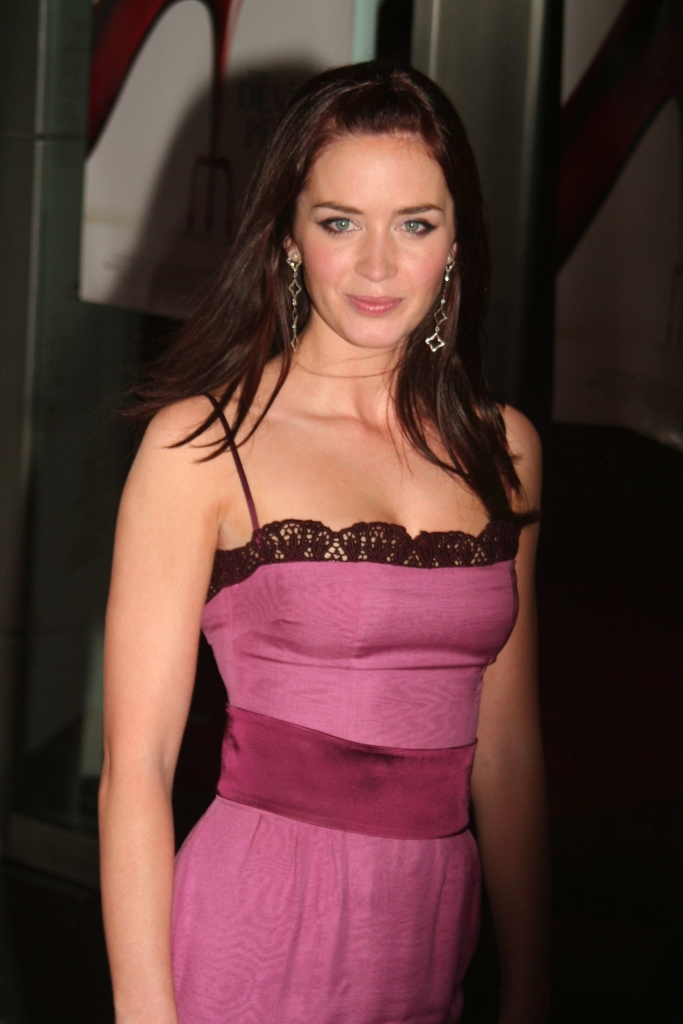 Emily Blunt image 1 of 1