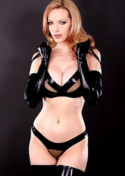 Emily Marilyn image 1 of 2