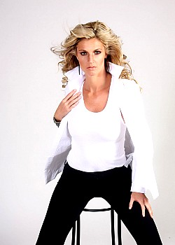 Erin Andrews image 1 of 2