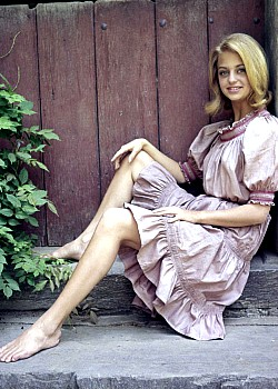 Goldie Hawn image 1 of 1