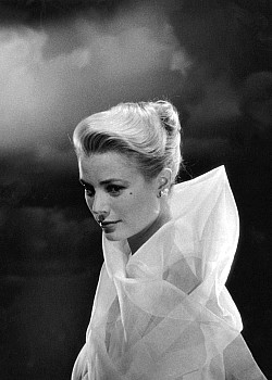 Grace Kelly image 1 of 4