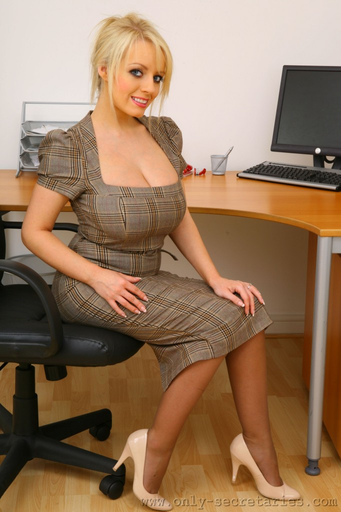 hannah claydon - free pics, videos & biography