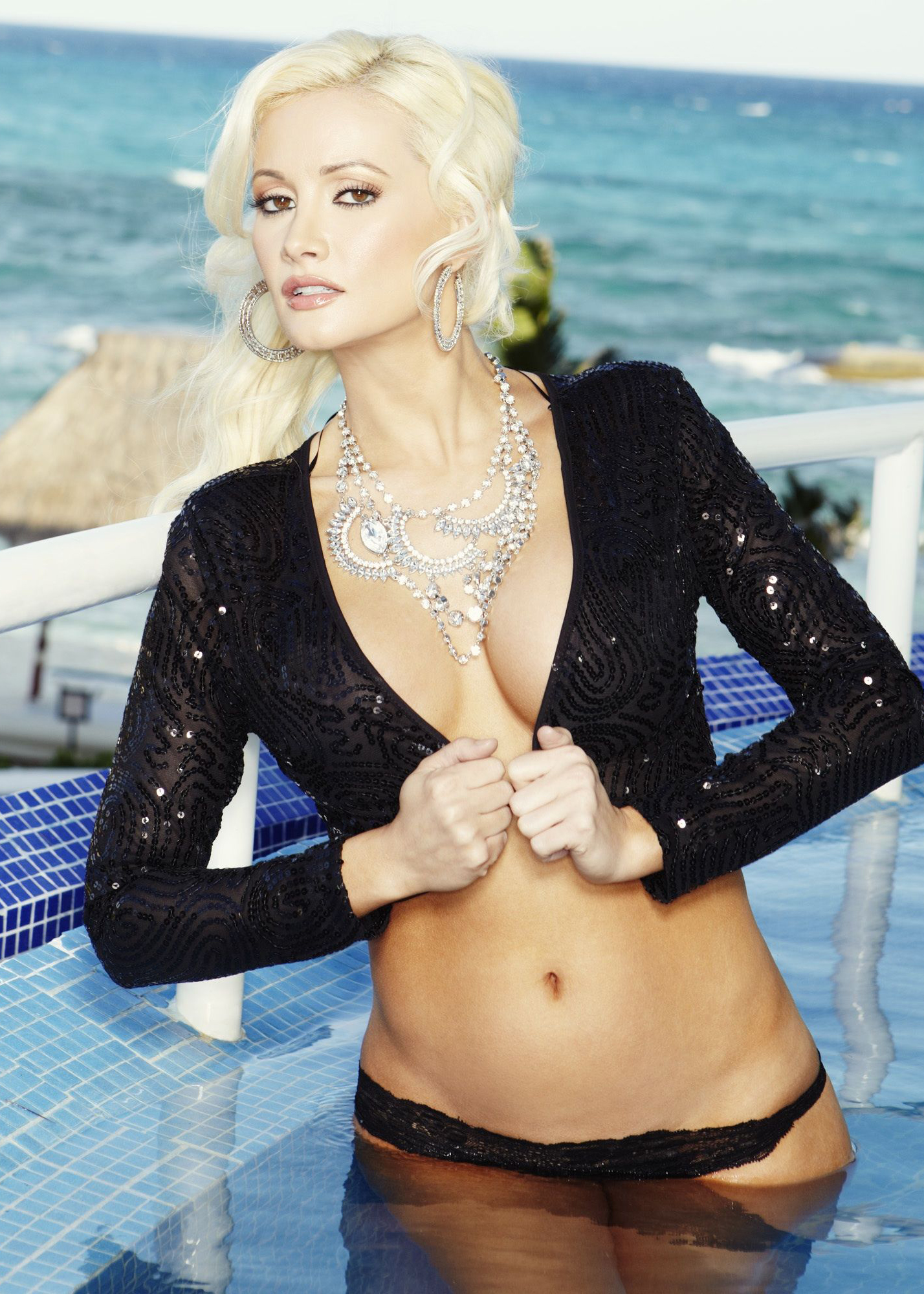 Holly madison nu Holly Madison Free Nude Pics Galleries More At Babepedia