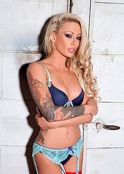 Isabelle Deltore image 1 of 1