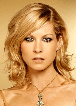 Jenna Elfman image 1 of 4
