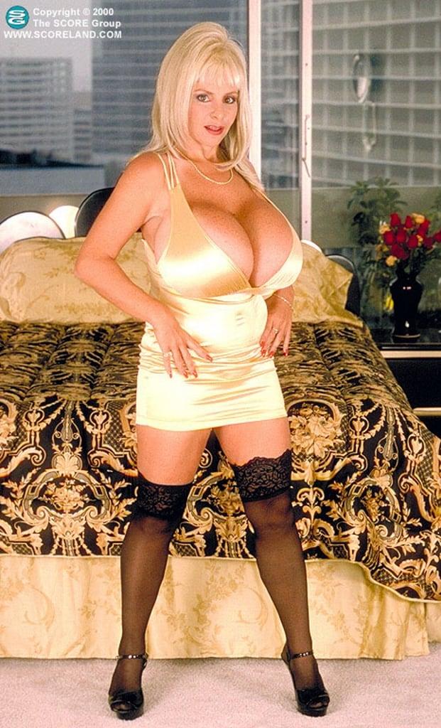 Lulu Devine Boobs, Gruppe porne