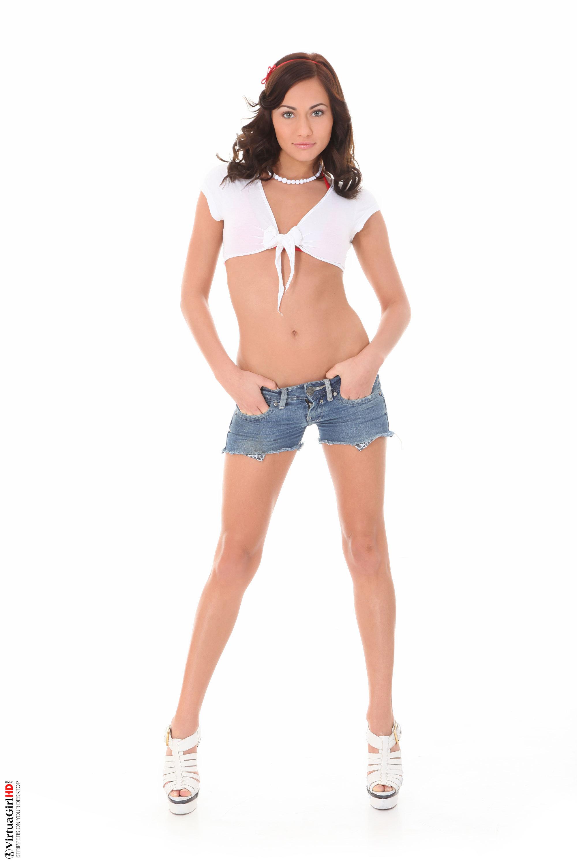 michaela-beautifull-teen-nude-japan-sexy-public-pussy