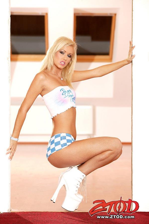 Sarah Blue image 1 of 1