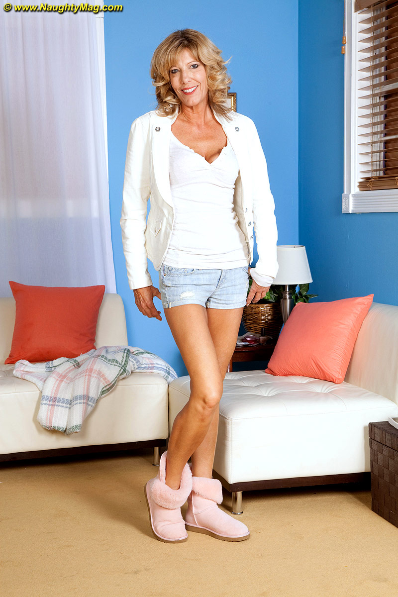 Mature shannon west Shannon West Free Pics Galleries More At Babepedia