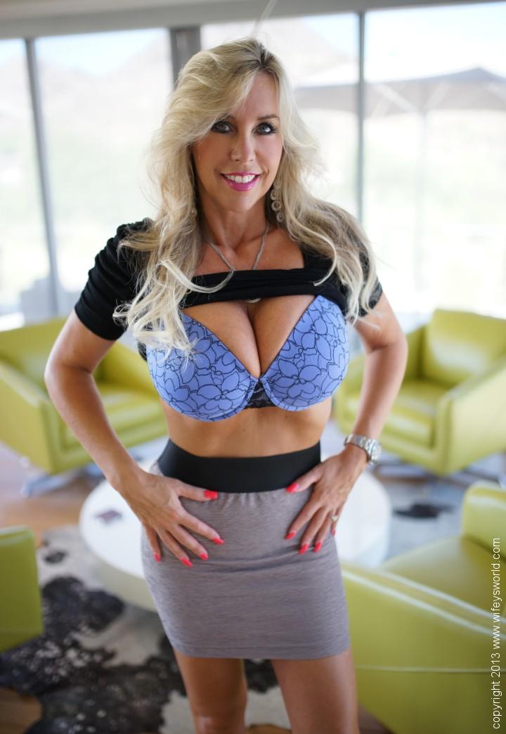 high heels canberra mature escort